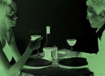 ужин в темноте на 8 марта
